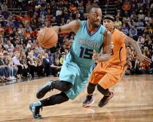 Walker sfugge alla difesa dei Suns e va a segnare.