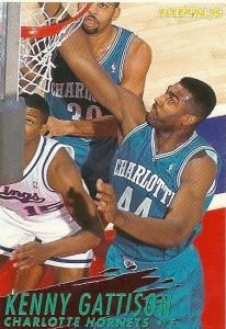 """18^ Kenny (Kenneth Clay) Gattison-N°33/44, PF/C, 23/05/1964, Wilmington (NC), 203 cm, 102 kg, 1989-95, G. 390, Pt. 3289. http://youtu.be/1ziBV0oJfG8 Kenny Gattison è stato selezionato dai Phoenix Suns nel 3° turno (55° in totale) del Draft NBA 1986. L'ala/centro, ha giocato nove stagioni NBA per 3 squadre diverse. Ha giocato per i Phoenix Suns (1986-1988), negli Charlotte Hornets (1989-1995) e per i Vancouver Grizzlies (1995-96). La sua migliore stagione da professionista è stata nel 1991/92, proprio come membro degli Hornets, apparendo in 82 partite (71 da titolare) con una media di 12,7 punti e 7,1 rimbalzi a partita. Kenny Gattison viene utilizzato spesso come centro dagli Hornets. Nella stagione 1994-1995, gli Hornets, trasformati in una nuova squadra emergente, grazie a Zo ed LJ non sembravano aver troppo bisogno di un centro sottodimensionato, anche perchè in quel ruolo (come centro di riserva) era arrivato un esperto Robert Parish ormai a fine carriera. """"Gatt"""" quindi fu selezionato nell'expansion Draft dai Vancouver Grizzlies il 24/06/1995. Giocando come centro, stava tenendo in una squadra alle prime armi, una buona media (9.2 ppg, 4.6 rpg), ma purtroppo problemi alla schiena gli fecero saltare buona parte della stagione. Il 22 febbraio 1996 fu scambiato dai Grizzlies e mandato agli Orlando Magic, ed il 9 Agosto 1996 i Magic lo spedivano a Salt Lake City, ma purtroppo a causa di lesioni alla schiena non giocò mai una gara né con Orlando, né con Utah. Dopo il ritiro, Gattison ha fatto l'assistent coach di John Calipari ai New Jersey Nets 1996-98. Poi tornò alla sua alma mater, Virginia nel 2001, sempre come assistente allenatore fino al 2003, quando è stato nominato assistente allenatore con la sua principale ex squadra, proprio gli Hornets, che nel frattempo però si erano trasferiti a New Orleans. Rimase con New Orleans fino al giugno 2009. Il 28 luglio 2010 Gattison stato nominato assistente allenatore per gli Atlanta Hawks sotto coach Larry Drew. Fuori dal"""