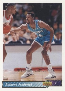 39^ Anthony (Duane) Frederick-N°24, SF, 07/12/1964, Los Angeles (California) - 29/05/2003 Los Angeles (California), 201 cm, 93 kg, 1991-92, squadra precedente: Sacramento Kings, squadra successiva: Dinamo Sassari, College: Pepperdine Waves, G. 66, Pt. 389. http://www.youtube.com/watch?v=M4y-BxmR4rM&feature=youtu.be Fredrick gioca 30 partite segnando 782 punti nel 1992-93 nella Dinamo Sassari. L'ex giocatore degli Hornets è morto a causa di un attacco di cuore (sembrerebbe) il 29 maggio 2003.