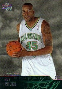 Sean (Lester) Rooks-N°45, C, 09/11/1969 New York, 208 cm, 110 kg, 2003-04, squadra precedente: Los Angeles Clippers, squadra successiva: Orlando Magic, G. 35, Pt. 80.
