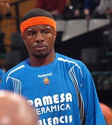 "139^ Shammond (Omar) Williams ""Schoolboy""-N°11, PG, 05/04/1975 Bronx (New York), 184 cm, 93 kg, 2004, squadra precedente: Orlando Magic, squadra successiva: UNICS Kazan', G. 16, Pt. 72."