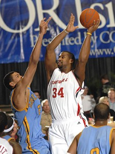 145^ Corsley Edwards (II)-N°34, C, 05/03/1979 Baltimora (Maryland), 206 cm, 124 kg, 2004-05, squadra precedente: Sioux Falls Skyforce, squadra successiva: Sioux Falls Skyforce, G. 10, Pt. 27. http://www.youtube.com/edit?o=U&video_id=e8WmaPswZVw