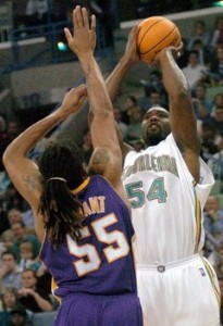 151^ Rodney Rogers-N°54, SF, 20/06/1971 Durham (North Carolina), 201 cm, 2004-05, G. 30, Pt. 275.