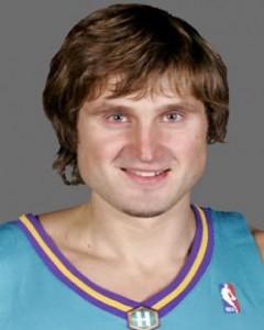161^ Arvydas Macijauskas-N°6, SG, 19/01/1980 Klaipeda (Lituania), 193 cm, 97 kg, 2005-06, squadra precedente: Saski Baskonia, squadra successiva: Olympiacos, G. 19, Pt. 44. http://www.youtube.com/watch?v=RXSnRtKaO0w&feature=youtu.be
