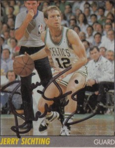25^ Jerry (Lee) Sichting-N°12, PG, 29/11/1956, Martinsville (Indiana), 185 cm, 76 kg, 1989-90, squadra precedente: Portland Trail Blazers, squadra successiva: Milwaukee Bucks, College: Purdue University, G. 34, Pt. 118. http://www.youtube.com/watch?v=qSf79uG-zq8