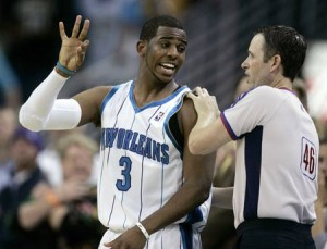 164^ Chris Paul (CP3)-N°3, PG, 06/05/1985 Winston Salem (North Carolina), 183 cm, 79 kg, 2005-11, scelto nel Draft NBA 2005 dagli Hornets alla quarta posizione, squadra successiva: Los Angeles Clippers, College: Wake Forest, G. 425, Pt. 7900, Playoffs: G. 23, Pt. 504. http://www.youtube.com/watch?v=I7uEtRPIuvk&feature=youtu.be http://youtu.be/6AOOvWlG55c