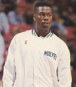 """""""Bob"""" (Robert Glen) McCann-N°32, PF, Morristown (New Jersey) 22/04/1964-01/07/2011, 198 cm, 111 kg, con gli Hornets: dallo 02/10/1996 al 24/10/1996, College: Morehead State Eagles. La sua breve esperienza agli Hornets dura 22 giorni (all'alba della stagione 1996/97), dopo i quali la dirigenza decide di non confermarlo per la regular season. Nella NBA comunque giocò per Dallas, Detroit, Minnesota, Washington ed ebbe un apparizione anche con Toronto. Un'insufficienza cardiaca putroppo lo stronca a soli 47 anni il primo luglio 2011."""