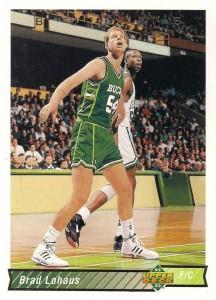 Brad (Allen) Lohaus-N°54, PF/C, New Ulm (Minnesota) 29/09/1964, 211 cm, 104 kg, con gli Hornets: dall'14/07/1996 al 21/10/1996, College: Iowa Hawkeyes. Brad arriva a Charlotte nell'estate del 1996 (dopo aver già militato nei Celtics, Kings, Timberwolves e Bucks ed heat) via New York Knicks nell'affare che porta Larry Johnson nella Grande Mela per Anthony Mason. Insieme a Mase per rendere più appetibile lo scambio per gli Hornets arrivò anche Lohaus, il quale però venne tagliato all'alba dalla nuova stagione senza poter giocare quindi nemmeno un minuto in una partita di regular season con i Calabroni.