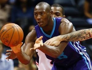 Bismack (Sumba) Biyombo-N°8, C, 28/08/1992 Lubumbashi (Repubblica Democratica Del Congo), 206 cm, 110 kg, a Charlotte dal: 2011 (come Bobcats), scelto al primo giro come 7^ scelta assoluta dai Sacramento Kings al Draft NBA 2011 e girato in una trade agli Charlotte Hornets, G. 64, Pt. 304 (a fine stagione 2014/15)