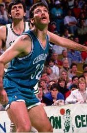 10^ Greg ('ory Fuller) Kite-N°32, C, 05/08/1961 Houston (Texas), 211 cm, 110 kg, 1989, squadra precedente: Los Angeles Clippers, squadra successiva: Sacramento Kings, G. 12, Pt. 38. http://www.youtube.com/watch?v=hOKOnPj4fm0&feature=youtu.be