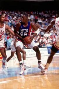 Un Anthony un po' più filiforme in uniforme Nets a inizio carriera.