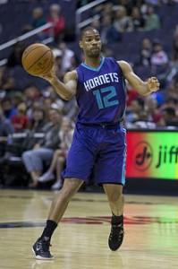 Gary Neal con gli Hornets.