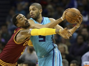 Batum marcato da J.R. Smith.