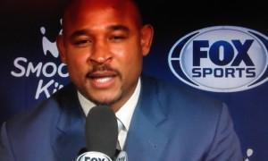 David Wesley, commentatore a NOLA, nonché ex Charlotte Hornets fa degli auguri scherzosi a Del Curry.
