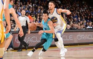 Jeremy Lin, ancora schierato come guardia tiratrice titolare per l'assenza di Batum, ha chiuso con 13 punti.