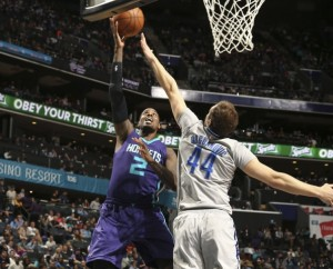 Marvin Williams, presenza decisiva nel reparto difensivo.