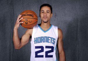 Brian Roberts, dopo aver giocato per i New Orleans Hornets e pr gli Charlotte Hornets, eccolo tornare in North Carolina.