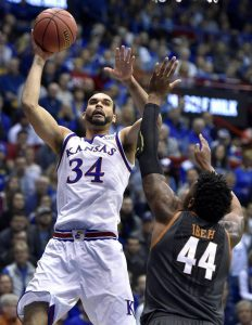 Perry Ellis in azione con Kansas.