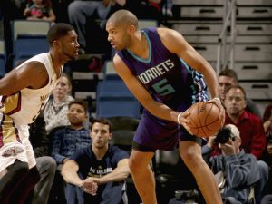 Nicolas Batum chiude con 13 punti ma un 3/10 dal campo. NBAE (Photo by Layne Murdoch/NBAE via Getty Images)